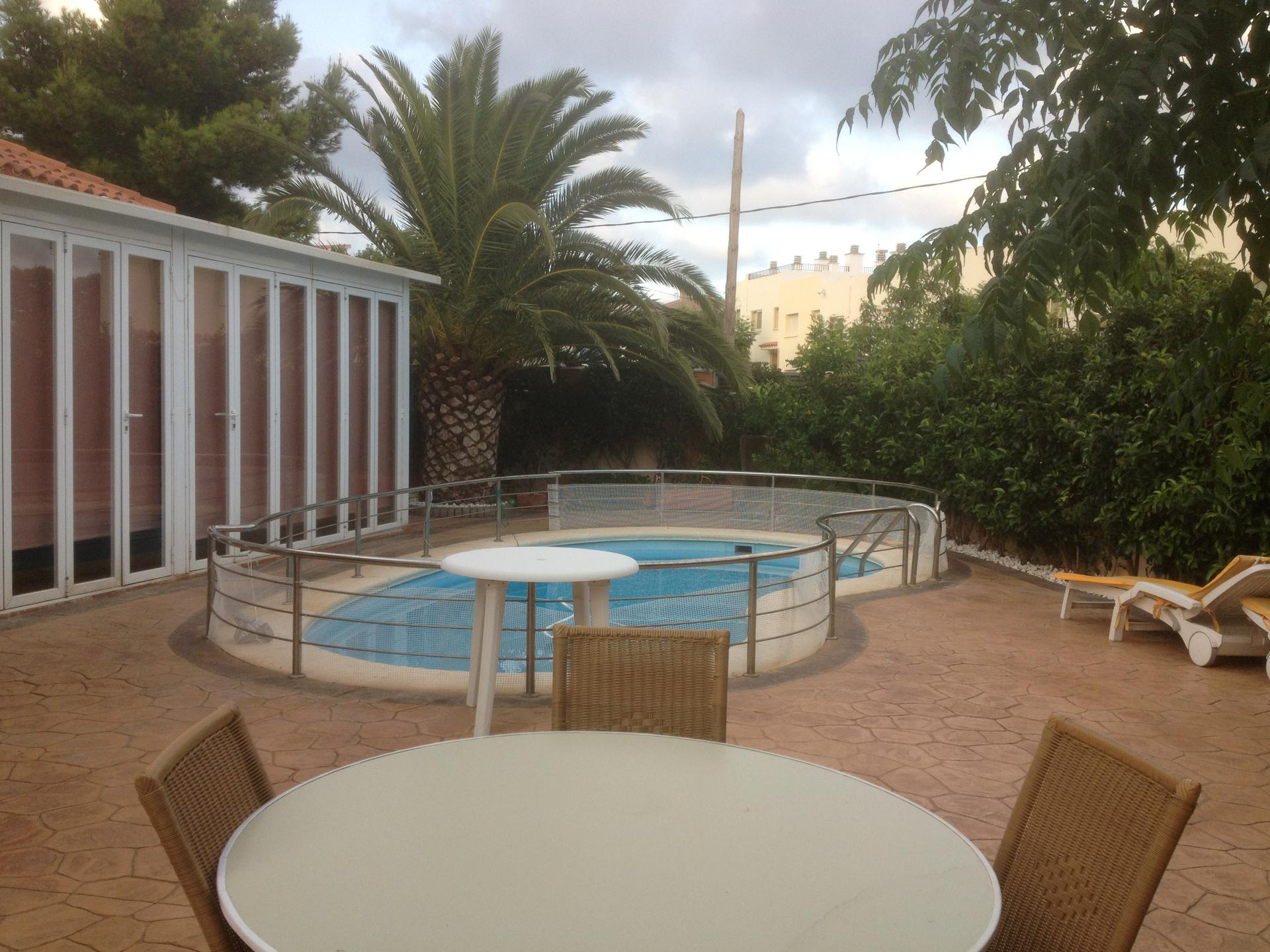 House -                                       Miami Playa -                                       4 bedrooms -                                       0 persons