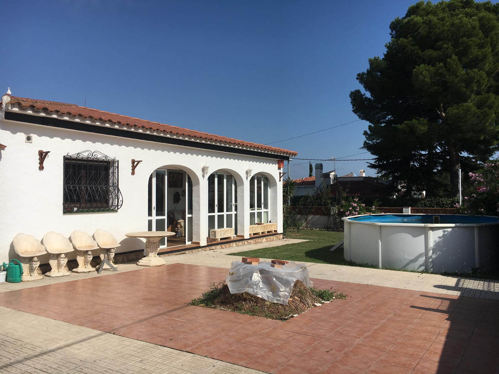 House -                                       Mont-roig -                                       4 bedrooms -                                       0 persons