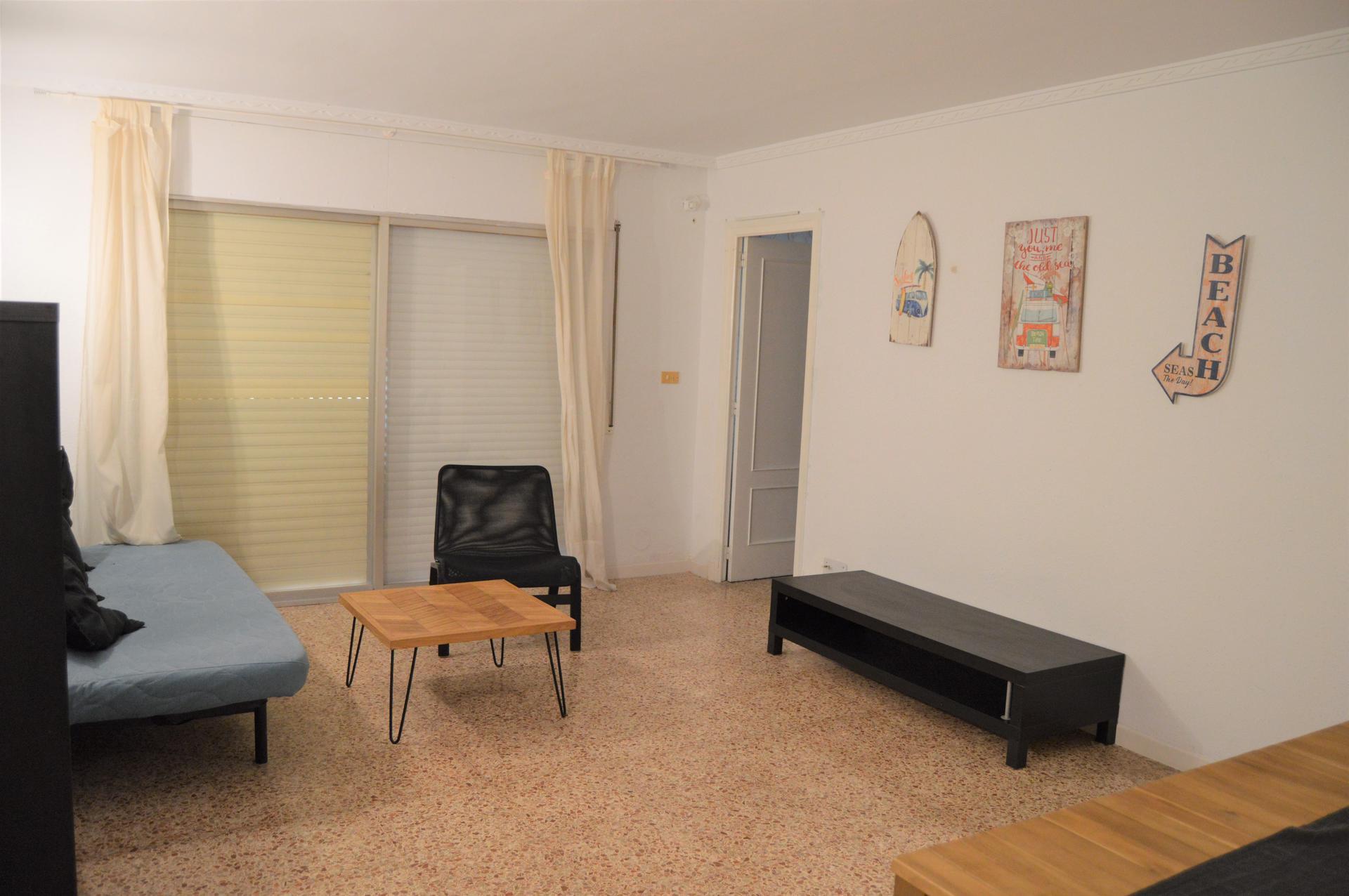 Apartment -                                       Salou -                                       4 bedrooms -                                       0 persons