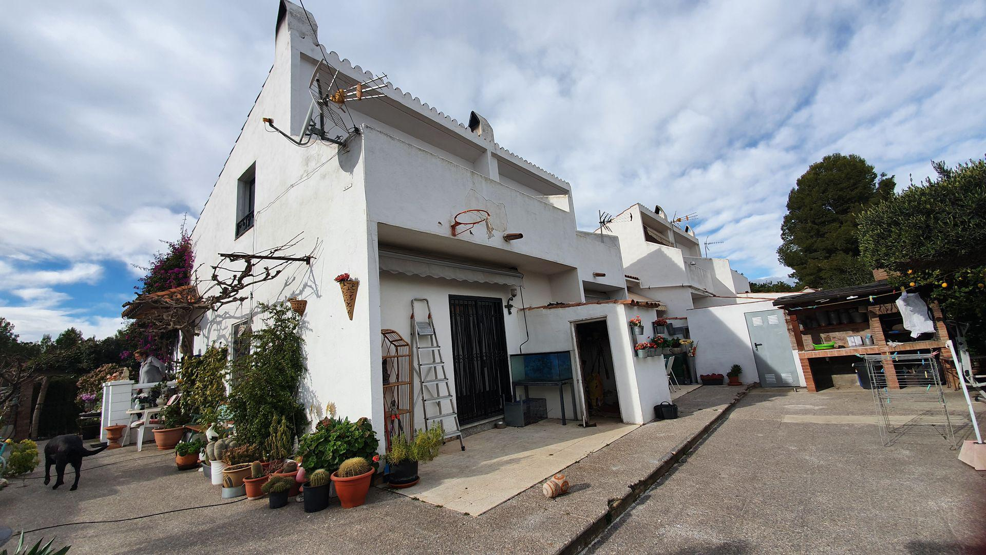 House -                                       Mont-roig Del Camp -                                       4 bedrooms -                                       0 persons
