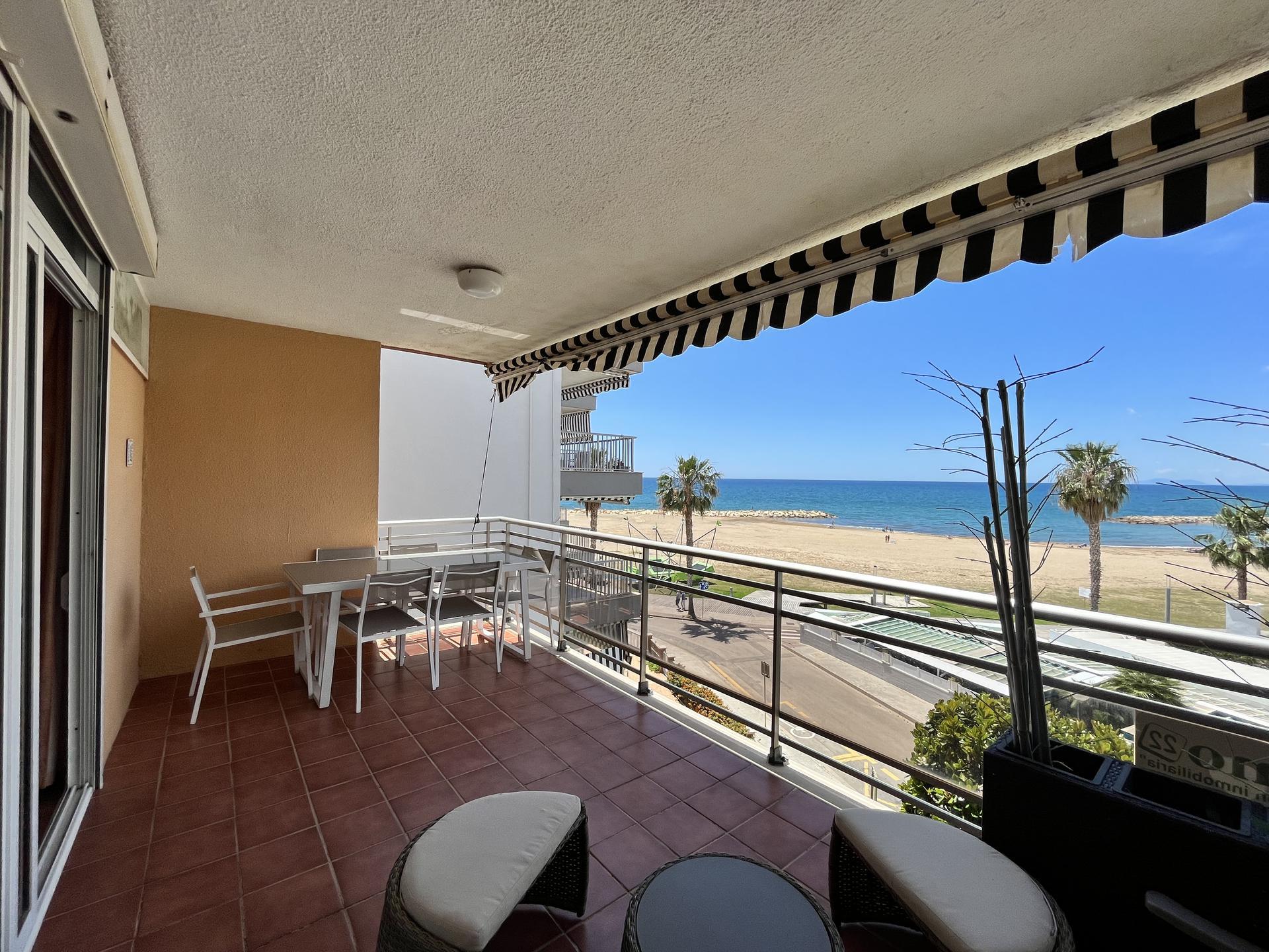 Apartment -                                       Cambrils -                                       3 bedrooms -                                       8 persons