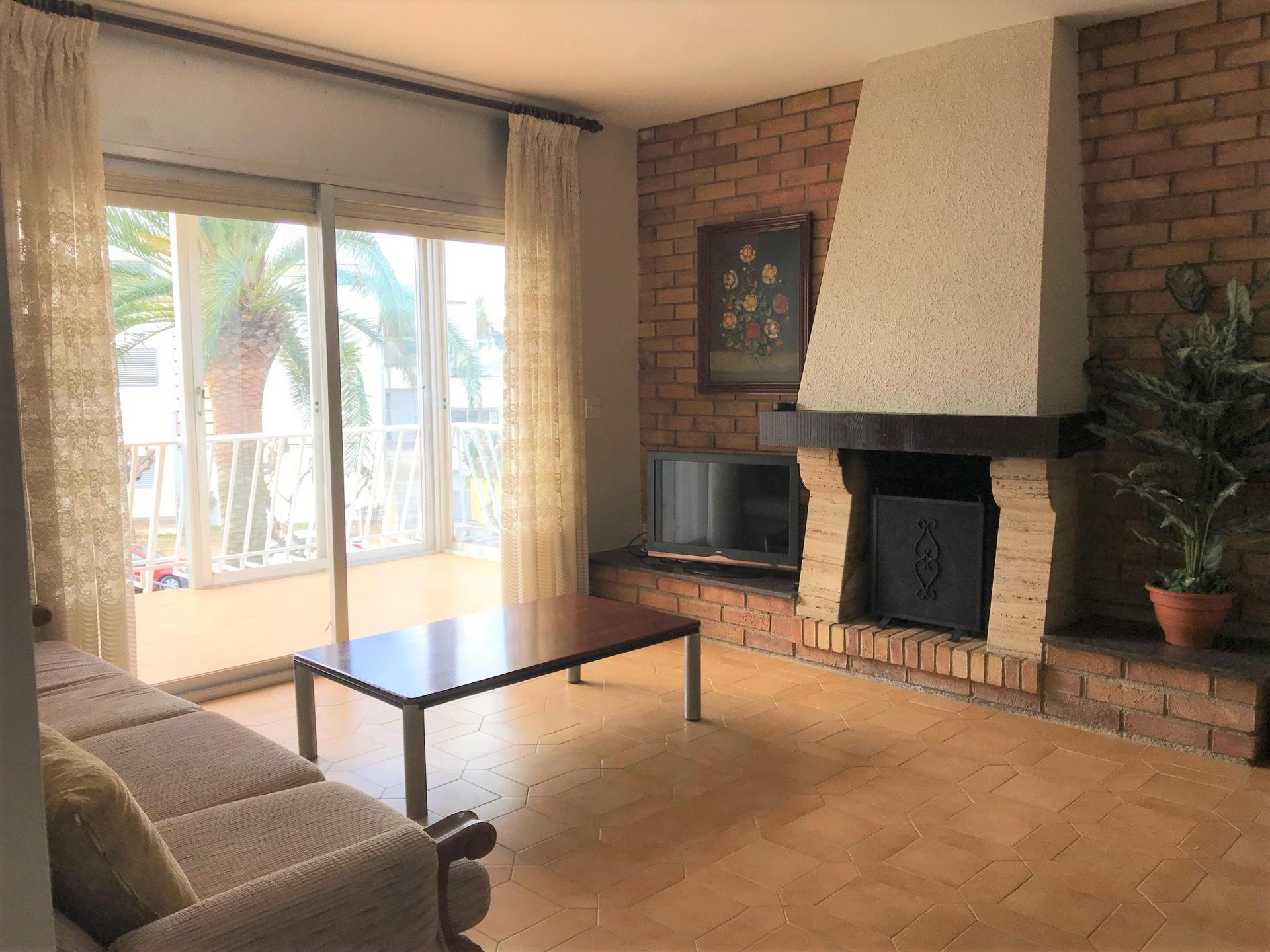Apartment -                                       Cambrils -                                       3 bedrooms -                                       6 persons
